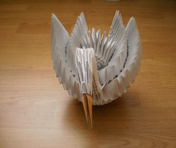 Оригами лебедь из треугольных